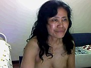 Mature Chinese pussy play on webcam