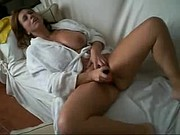mature with red dildo cums hard