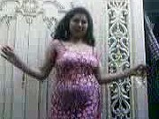Hot Egyptian Milf Sexy Dance