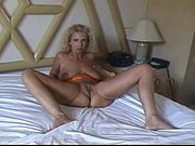 Blonde MILF makes Friends Easily